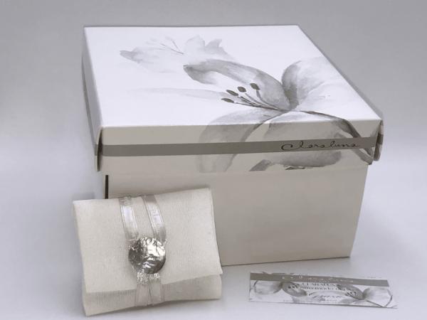 confezione con scatola e portaconfetti Claraluna
